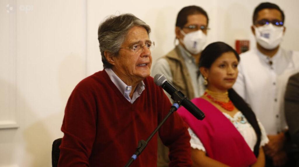 Lasso dice que vacunación contra Covid-19 es su plan de gobierno