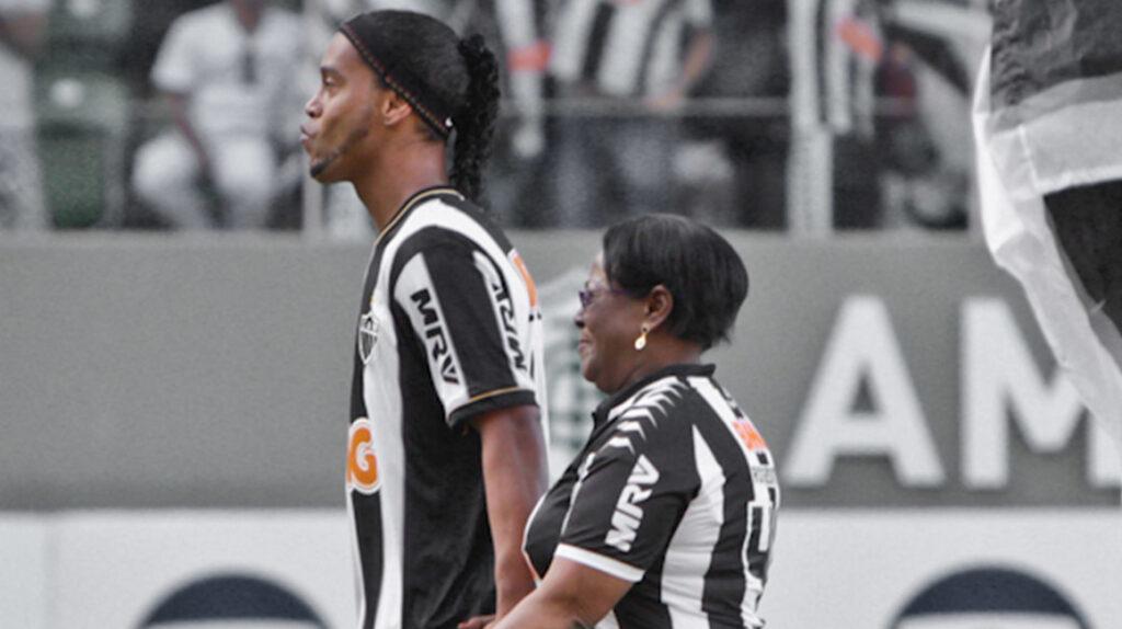 Fallece de Covid-19 la madre del exfutbolista brasileño Ronaldinho