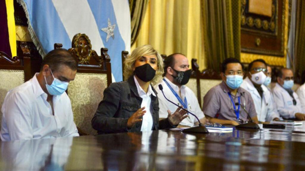 Alcaldes de Quito y Guayaquil piden manejar la vacunación en sus ciudades