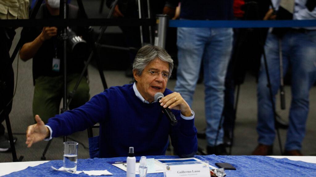 Guillermo Lasso logra el apoyo de tres rivales políticos