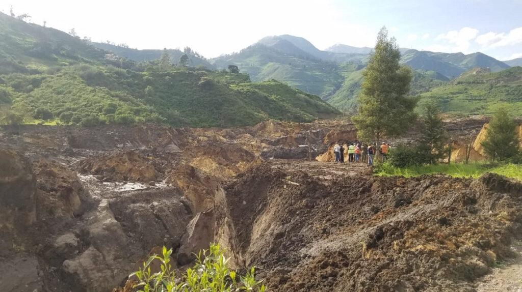 Desastre en Chunchi: Embalse desfogó de manera natural