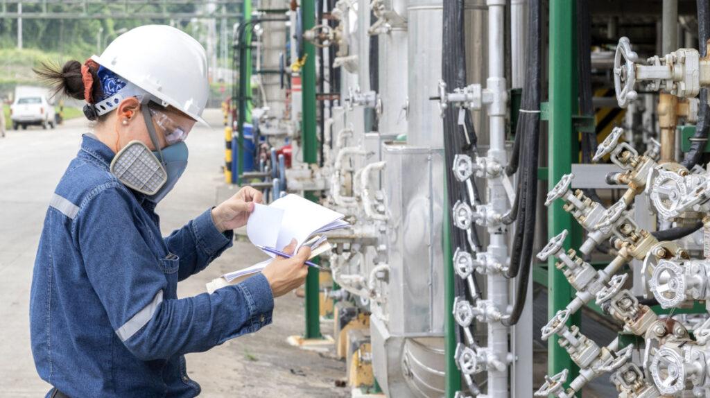 Petroecuador advierte de dificultades por falta de pago de Finanzas