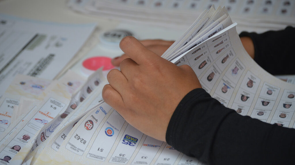 Más de 5,5 millones de votos se volverán a contar  para definir quién pasa a segunda vuelta