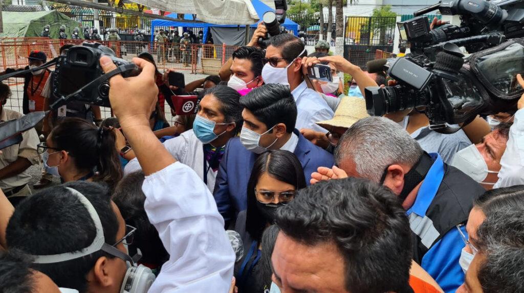 Yaku Pérez paró reconteo de votos por 3 horas en CNE del Guayas