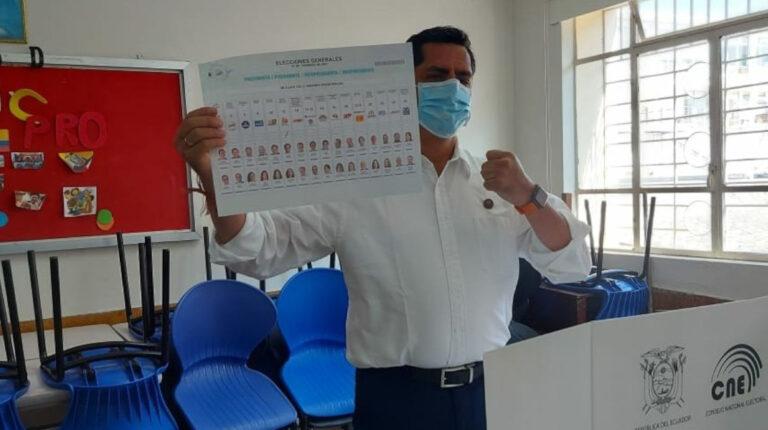 Xavier Hervas durante el momento de su votación, el 7 de febrero de 2021.