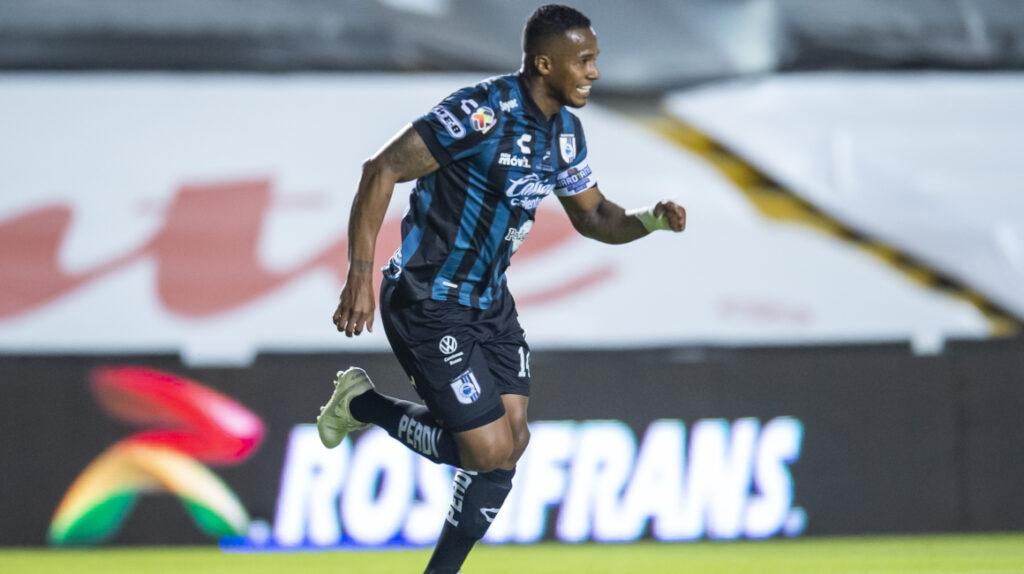 Golazo de Antonio Valencia en el triunfo del Querétaro ante Pachuca