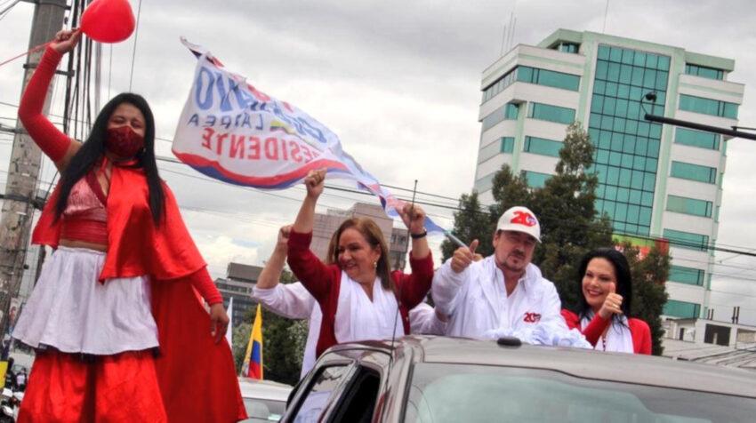 El candidato Gustavo Larrea durante su cierre de campaña en Quito el 4 de febrero de 2021.