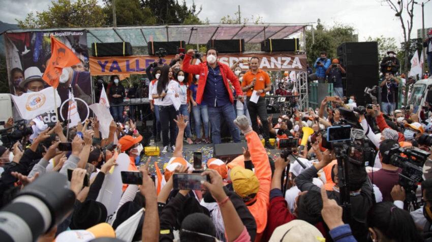 El candidato Andrés Arauz durante su cierre de campaña en Quito el 4 de febrero de 2021.