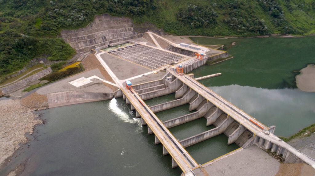 Ecuador vuelve la mirada a las termoeléctricas por problemas en Coca Codo
