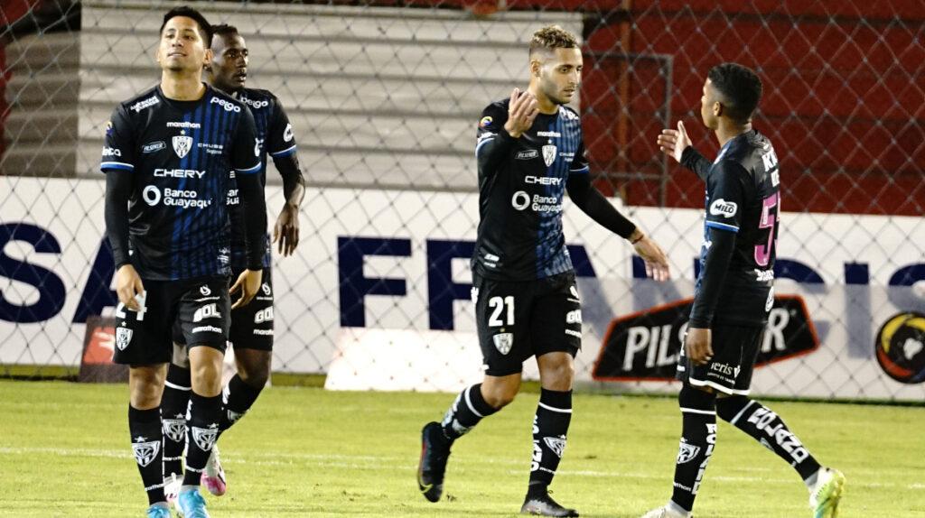 Independiente gana en Ambato y queda a un punto de Barcelona