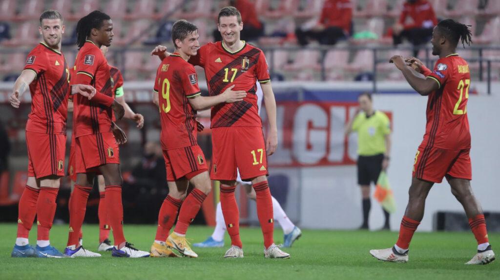 Bélgica exhibe su poderío ofensivo y aplasta 8-0 a Bielorrusia