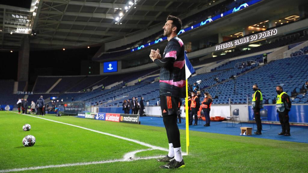 Una fecha de suspensión y multa de 5.000 euros a Buffon por insultar