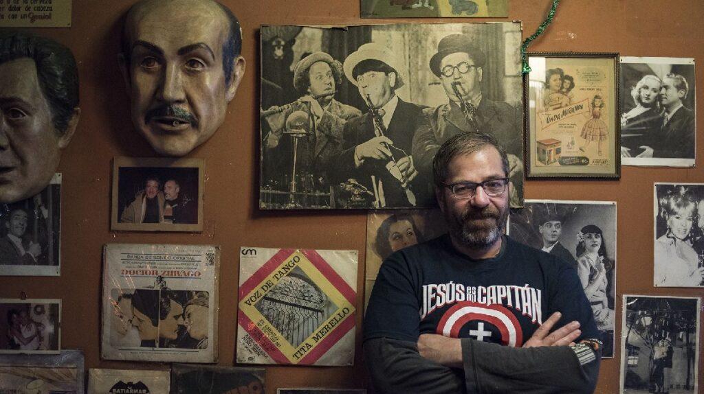 Muere el escritor argentino Carlos Busqued a los 50 años