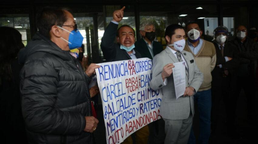 El colectivo Quito Unido entregó el pedido de remoción del alcalde Jorge Yunda, el 29 de marzo de 2021.