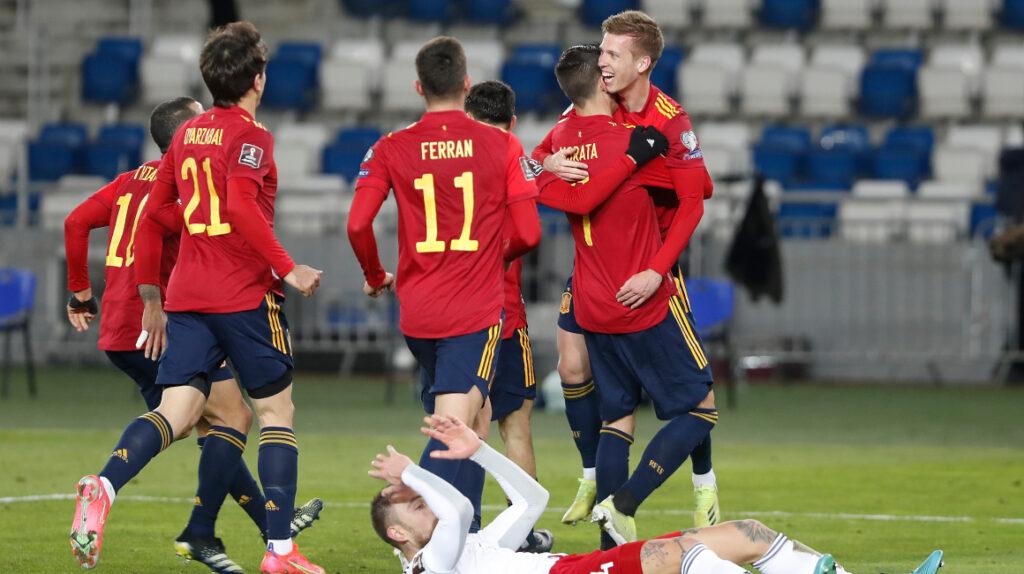 España logra agónico triunfo ante Georgia en Eliminatoria europea