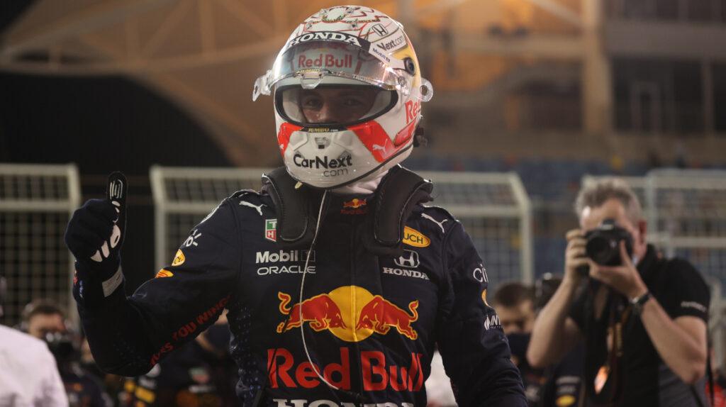 Verstappen batió a Hamilton y saldrá primero en el Gran Premio de Baréin