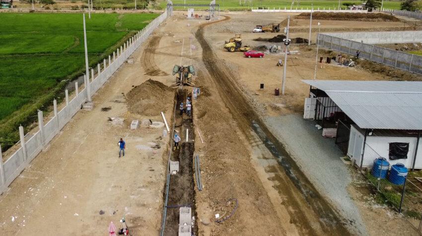 Avance de obra de la construcción de bodegas corporativas en la Vía a Samborondón, en 2020.