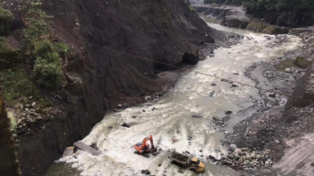 Erosión regresiva: Celec intenta salvar obras de USD 200 millones