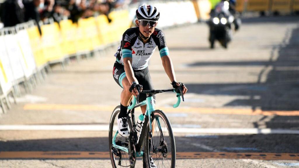 Esteban Chaves gana la Etapa 4 en Catalunya y Adam Yates sigue de líder