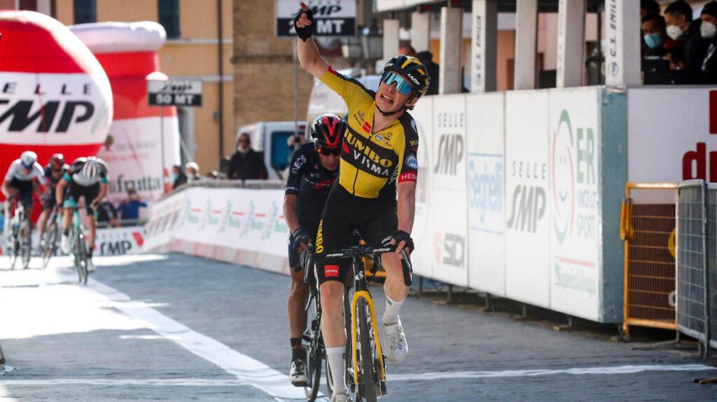 Vingegaard gana su segunda etapa y lidera la Coppi e Bartali
