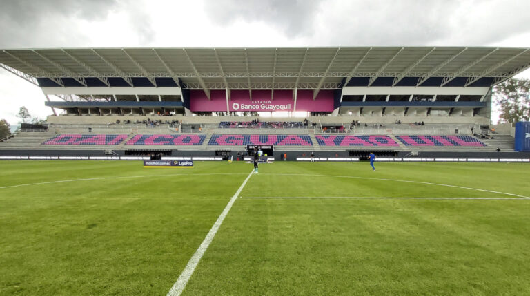 El estadio Banco de Guayaquil se estrenó el 20 de marzo de 2021, con una victoria del Independiente del Valle ante el Delfín por 2 a 0, por la LigaPro.