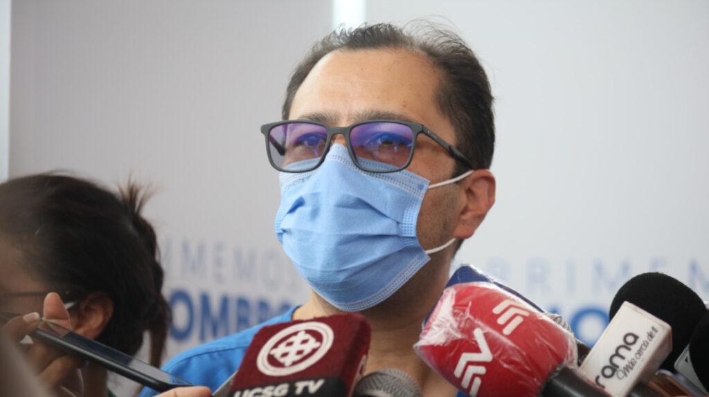 Ministro de Salud pide renuncias a todos los directores zonales del país