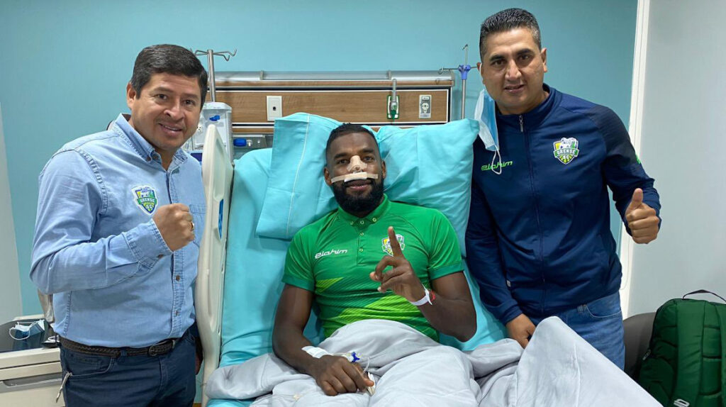 Gabriel Achilier fue operado de una fractura de tabique