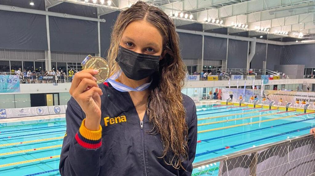 Ecuatorianos obtienen medallas de oro en el Sudamericano de natación