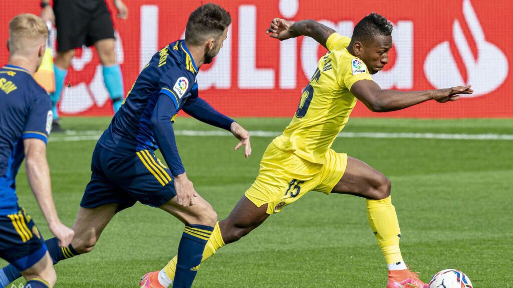 Pervis Estupiñán fue titular en el Villarreal antes de viajar a Ecuador
