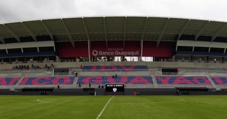 Vista panorámica de la tribuna principal del estadio Banco Guayaquil, el sábado 20 de marzo de 2021.