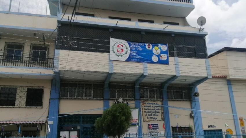 La unidad educativa Semillitas es una institución insigne en esta zona popular de Guayaquil.