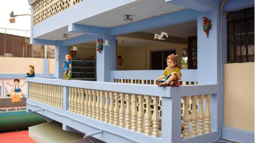 Vista interna de la escuela Semillitas, en Guayaquil, que se prepara para reabrir sus puertas, el 19 de marzo de 2021.