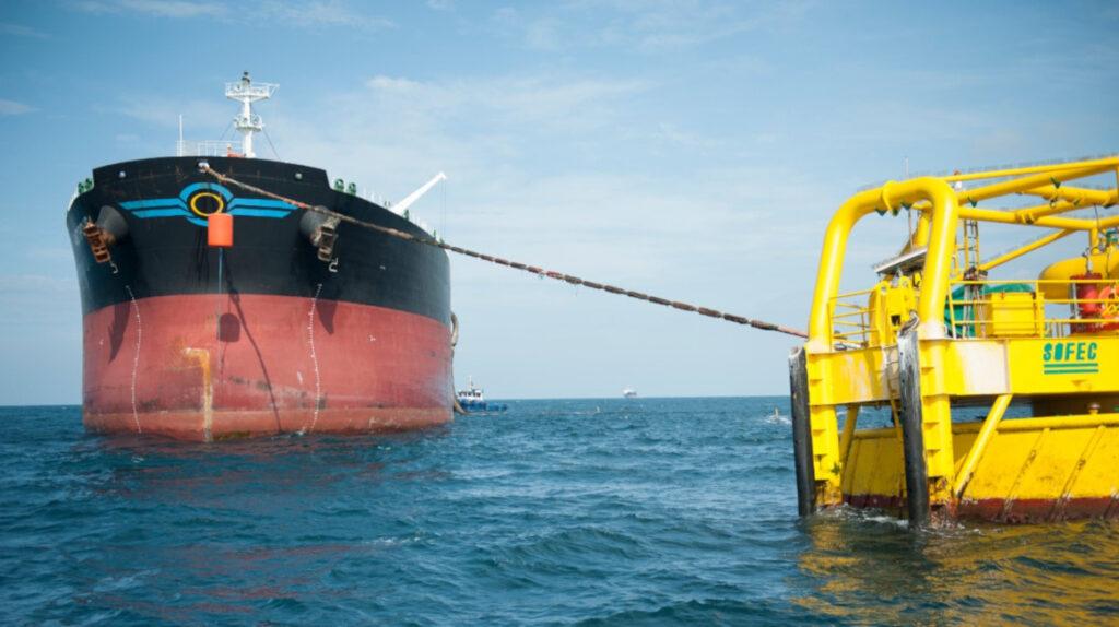 Petroecuador pagará con petróleo la deuda que tiene con OCP