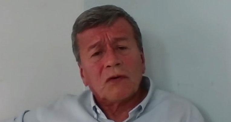 Israel Ramírez, conocido como 'Pablo Beltrán, es el jefe político del ELN. Vive en Cuba, tiene orden de prisión en Colombia y difusión roja de Interpol.
