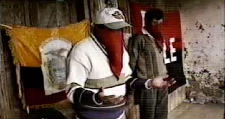 En el  En 2005, dirigentes del ELN fueron captados en un video realizando una misa revolucionaria de adoctrinamiento a niños y adolescentes, en un poblado de Carchi
