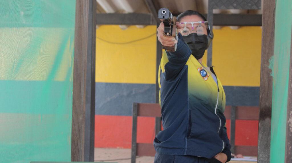 Equipo ecuatoriano de tiro participará en la Copa del Mundo de Nueva Delhi