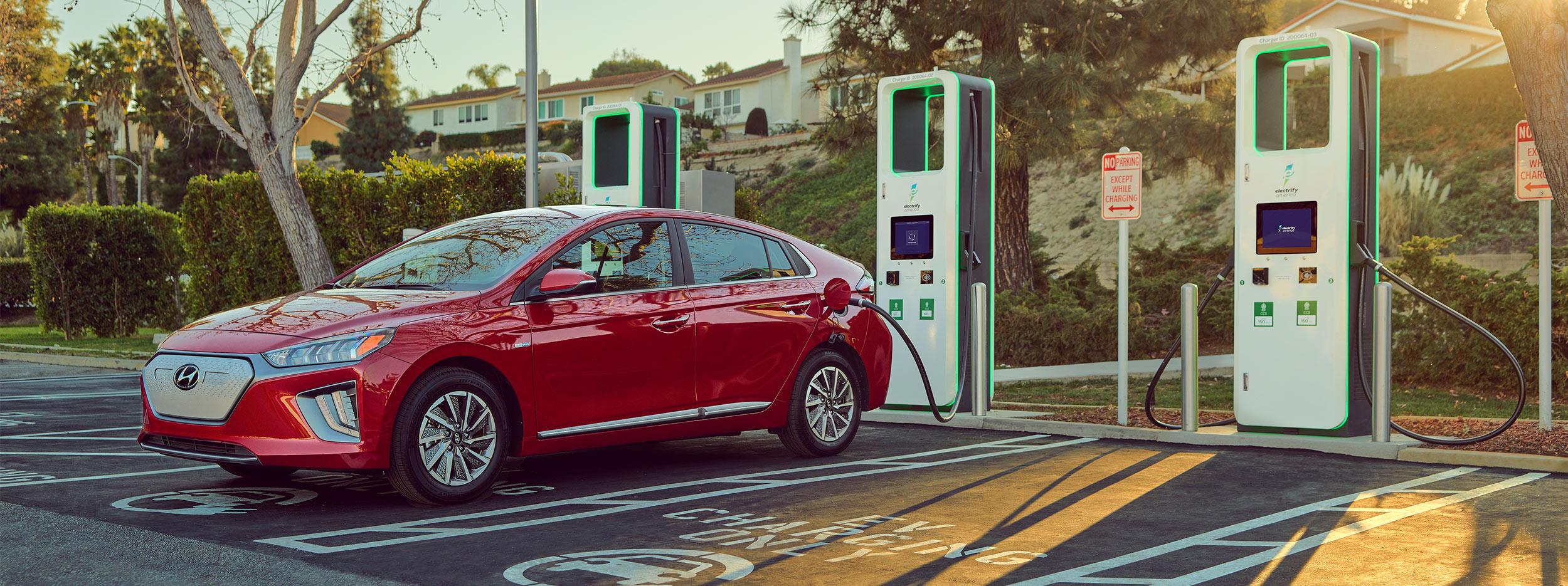 Hyunday y Electrify America proveen puntos de carga para EV de la marca