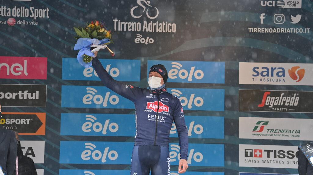 Mathieu Van der Poel se adjudica la Etapa 5 de la Tirreno Adriático