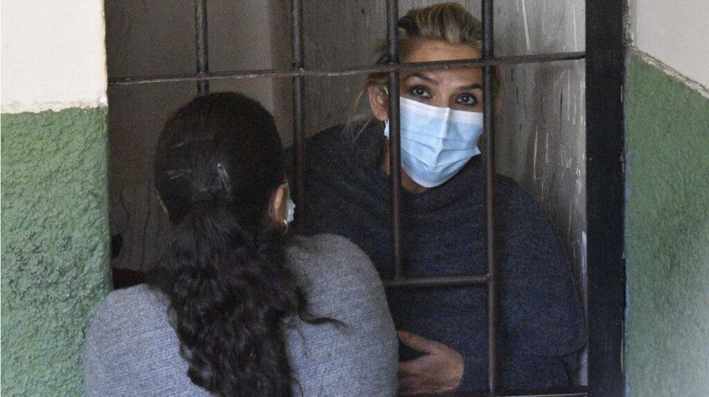 Detención de la expresidenta Áñez divide a Bolivia