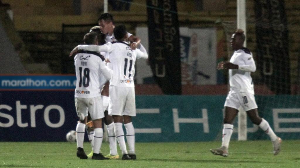 Con un gol de Juan Cruz Kaprof, Liga empata en Cuenca