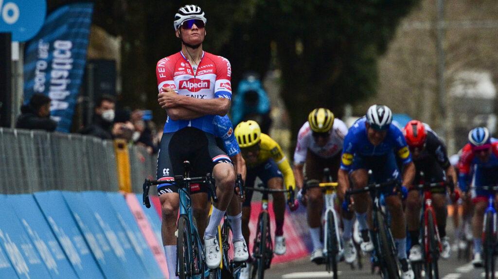 Mathieu Van der Poel gana con autoridad la Etapa 3 de la Tirreno Adriático