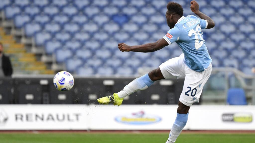 Felipe Caicedo anota el gol del triunfo de la Lazio ante Crotone