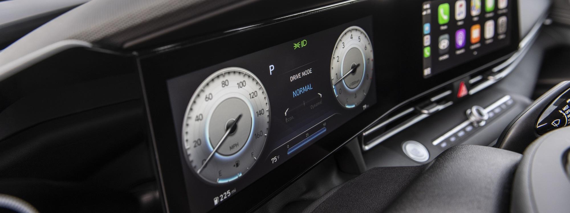 Hyundai Elantra  2021, uno de los mejores diseños interiores