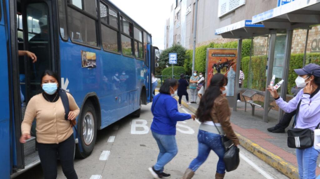 Quito: cooperativas de transporte tendrán que cambiar modelo de negocio