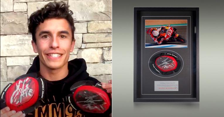Marc Márquez dona las deslizaderas que utilizó en el Gran Premio de Jerez 2020, de motociclismo.