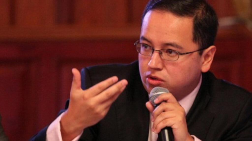 Caracas se encomienda a Rivera, exministro correísta devenido en asesor