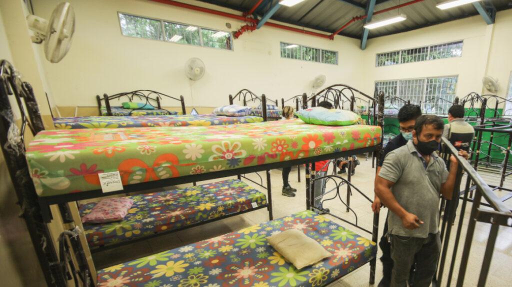 Un albergue para los damnificados por lluvia en Guayaquil