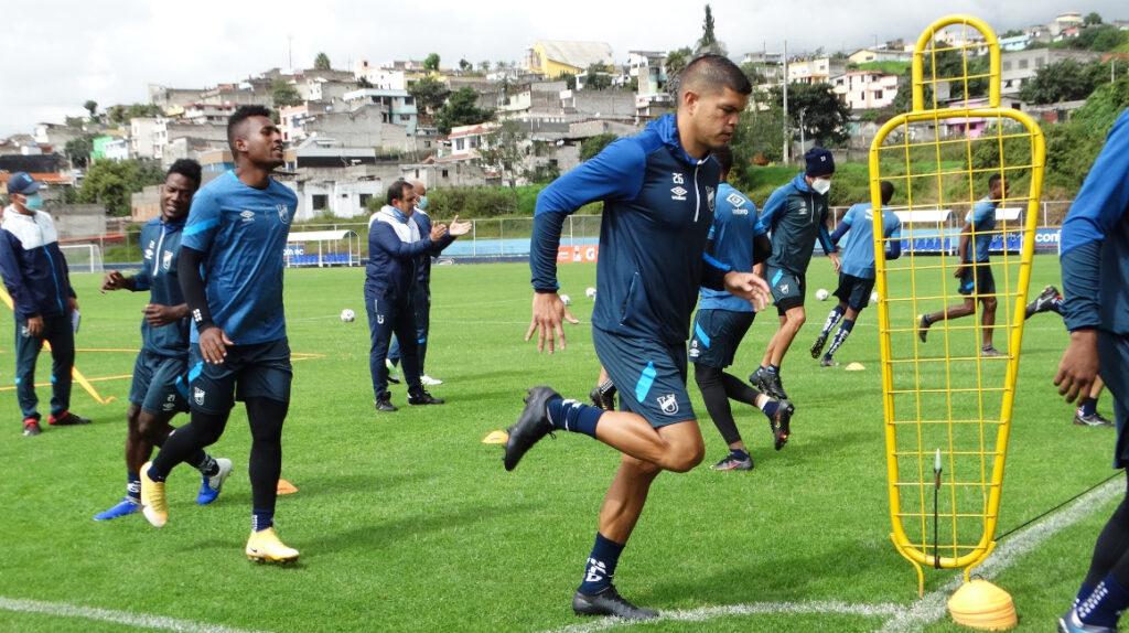 Universidad Católica buscará derrotar a Libertad en la Copa Libertadores