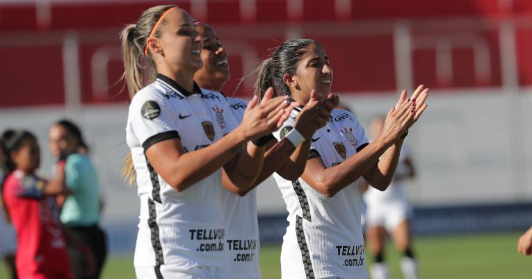 Las futbolistas brasileñas festejan uno de los goles ante El Nacional, el viernes 5 de marzo de 2021.