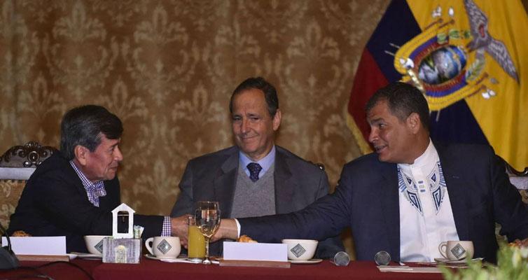 En mayo de 2017, el Gobierno de Ecuador recibió a Pablo Beltrán, vocero de la narcoguerrilla del ELN, y a Camilo Restrepo, delegado del gobierno Colombiano.